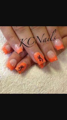 Trendy nails orange and black ring finger Deer Nails, Camo Nails, Fun Nails, Orange Acrylic Nails, Orange Nails, Garra, Country Girl Nails, Hunting Nails, Gel Nagel Design