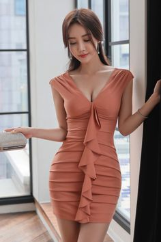 i knew you were trouble Tight Dresses, Sexy Dresses, Korean Beauty, Asian Beauty, Asian Fashion, Girl Fashion, Womens Fashion, Asian Hotties, Beautiful Asian Women
