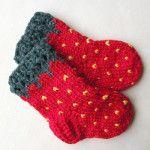 kırmızı el örgüsü bebek  çorap