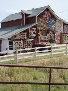 Musings by Artslice: Buggy Barn Quilt Show