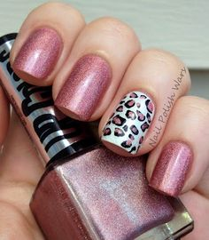 Leopard accent nail...not too much. Understated style. Like!!