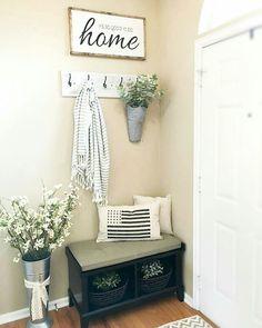 Rustic farmhouse entryway decorating ideas (28)