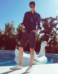 Discover Penshoppe Spring Summer 2016 advertising campaign featuring supermodels Sean O'Pry and Lucky Blue Smith lensed by fashion photographer Yu Tsai. Penshoppe, Sean O'pry, Lucky Blue Smith, Blue Suede Shoes, White Horses, Advertising Campaign, Spring Summer 2016, Cute Guys, Male Models