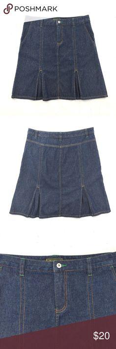 c0a0f4e7bd68 Eddie Bauer Denim Pleated Skirt Size 12 Excellent condition. Denim skirt  with front pockets no