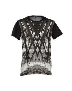 ROBERTO CAVALLI T-Shirt. #robertocavalli #cloth #top #pant #coat #jacket #short #beachwear