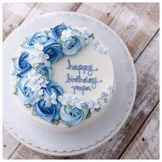 22 Ideas Birthday Cake Blue Beautiful Cupcakes For 2019 Special Birthday Cakes, Cookie Cake Birthday, Birthday Cake Decorating, Cool Birthday Cakes, Birthday Cupcakes, Birthday Cake Design, Birthday Sweets, Cupcakes Decorating, Birthday Ideas