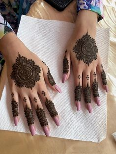 Pin For Trend Presented Backhand Henna Designs You Must Love To Try - Henna Designs 2019 (Best Mehandi Designs Images Collection) Tribal Henna Designs, Pretty Henna Designs, Finger Henna Designs, Mehndi Designs For Girls, Modern Mehndi Designs, Dulhan Mehndi Designs, Mehndi Design Photos, Mehndi Designs For Fingers, Latest Mehndi Designs