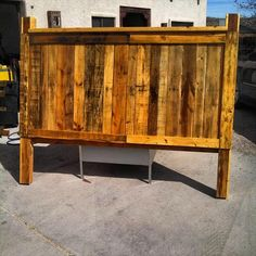 Pallet Headboard - How to Make Your Own Pallet Bed | 99 Pallets