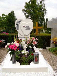 Reiswich Cemetery Monuments, Cemetery Headstones, Cemetary Decorations, Table Decorations, Funeral, Tombstone Designs, Memorial Markers, Stone Statues, Memorial Park