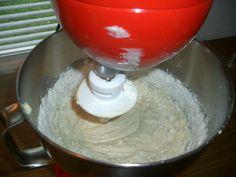 ''Polonezi'' cu nuca si miere - Retete in imagini - Culinar.ro Forum Kitchen Aid Mixer, Kitchen Appliances, Deserts, Pizza, Food, Poland, Sweets, Diy Kitchen Appliances, Home Appliances