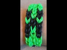 ****NEW**** Easy Tutorial on how to make a Minecraft Creeper Bracelet on the Rainbow Loom