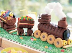 you can make this train cake from shop bought swiss rolls and a yummy selection of biscuits and lollies. Yum! (via Annabel Karmel)