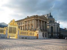 VERSAILLES - FRANCE .. www.goldenlinetour.com ... https://www.facebook.com/transfergoldenlinetour ..Palace of Versailles ... Individual transfer service from Paris city tо Versailles! Price eur 85.00 ...Professional drivers will meet you at the airport or anywhere else in the city with a sign, guide you to the car, help with the luggage and quickly deliver to the desired location.. #transfer_goldenline_tour #tour #trip #travel  #transfer #paris #france #airporttransfer #tourism #Versailles