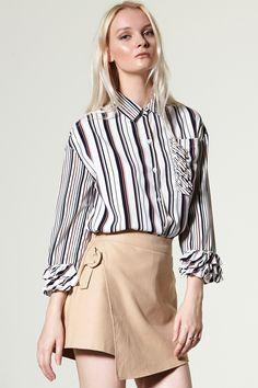Della Пряжка Откройте для себя брюки последние тенденции моды в Интернете по адресу storets.com