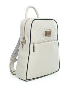 Mochila feminina com matelassê em couro legítimo marfim - Enluaze Loja Virtual | Bolsas, mochilas e pastas