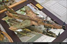 Republic F-105 Thunderchief 1/32 Scale Model