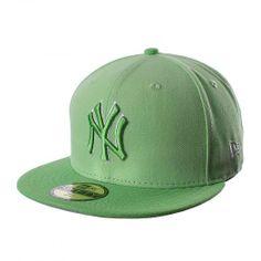 La gorra 5950 MLB New York Yankees de New Era está diseñada para que apoyes  a ecb904178e3