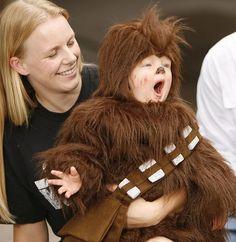 Chewy! WWAAARRRGGHHHHHAAAAA. | 14 Costumes Only Kids Can Pull Off ~neatorama pin