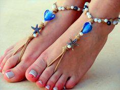 It's fantastic to wear that beige crochet sandal on your feet! Wear Barefoot Sandals on the beach pool, at ho. Yoga Sandals, Barefoot Sandals Wedding, Crochet Barefoot Sandals, Bare Foot Sandals, Beach Jewelry, Body Jewelry, Hippie Shoes, Diy Collier, Slave Bracelet