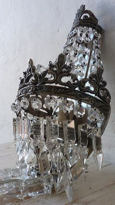 Vintage French Chandelier - Lines Lycka Chandelier Bougie, French Chandelier, Chandelier Lighting, Shabby Vintage, Crystal Sconce, Crystal Chandeliers, Crystal Wall, Interior Design Photography, Led Lampe