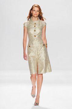 Pamela Roland:  GOLD LUREX TWEED DRESS Spring 2010, Vogue 1233