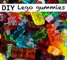 Wat krijg je als je winegums en Lego stenen met elkaar combineert? Snoepjes waarmee je torens kunt bouwen! Tenminste… als ze de bouw overleven. Want mijn kinderen vinden deze Lego gummies veel te lekker om lang te laten staan. Gelukkig kun je zo weer wat stenen bij maken als je tekort komt. Het recept heeft … Birthday Treats, Birthday Bash, Jello Fruit Snacks, Kobe, Creative Kids, Lemonade, Cooking, Party, Ninja