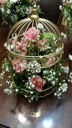 Birdcage -gold with fresh flowers