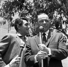 Frank Sinatra Dean Martin at microphone Rat Pack HD Aluminum Wall Art Dean Martin, Vintage Hollywood, Classic Hollywood, Joey Bishop, Perry Como, Music Happy, Ella Fitzgerald, Interesting Faces, Hollywood Stars