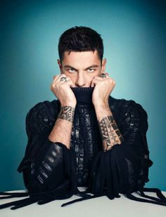 Love this stylish, elegant and divine men Good Looking Men, Men Looks, My Man, Pretty Face, Fingerless Gloves, Arm Warmers, Tattoos For Guys, How To Look Better, Husband