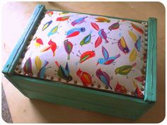 Furniture Makeover, Diy Furniture, Crochet Food, Recycling, Decorative Boxes, Homemade, Cool Stuff, Pillows, Projects