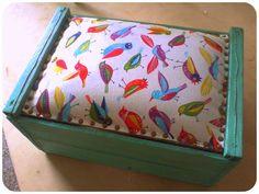 ¡Vuelve uno de nuestros talleres favoritos!  Utilizando el clásico cajón de verduras, vamos a aprender a transformarlo en un hermoso y original PUFF   ¡Sumate! Aquí la info: http://bit.ly/1s8wq6Y