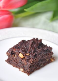 Whole & Free: Moist & Rich Nut Butter Brownies (or Cookies) GF, DF, EF using  coconut flour, mashed banana's, blackstrap molasses, almond or sunflower butter and dark chocolate - and these are good - rich, but good!!