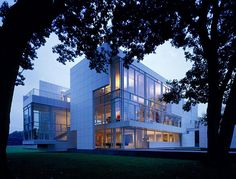 Architect Day: Richard Meier I believe that architecture has the power to inspire, to elevate the spirit, to feed both the mind and the body. It is for me the most public of the arts.""
