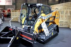 HOLT AgriBusiness offers parts and service on all equipment we sell, including AGCO, CLAAS, Lexion and CAT machines. When custom solutions or custom parts are needed, Holt Ag can make custom engineered parts. Construction equipment by Case.
