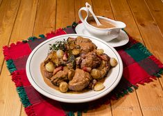 #coqauvin  (gallo al vino), ricetta tradizionale francese Kung Pao Chicken, Stuffed Mushrooms, Meat, Vegetables, Ethnic Recipes, Mamma, Food, Coq Au Vin, France