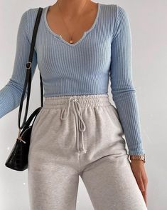 Fashion Inspiration And Casual Outfit Ideas For Women Lazy Outfits Casual fashion Ideas Inspiration Outfit Women Cute Lazy Outfits, Retro Outfits, Simple Outfits, Trendy Outfits, Comfy School Outfits, Grunge Outfits, Classy Outfits, Fashionable Outfits, Cute Outfit Ideas For School