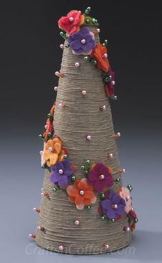 Divine twine: Wind up a blooming, TwineTopiary .... http://craftsncoffee.com/2013/03/01/divine-twine-wind-up-a-blooming-twine-topiary/#