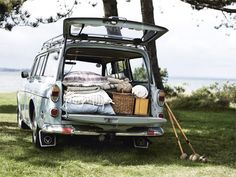 old volvo stationwagon.out for a picnic. Picnic Time, Summer Picnic, Beach Picnic, Summer Beach, Summer Days, Volkswagen, Volvo Wagon, Volvo Cars, Perfect Road Trip