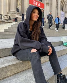i love springtime :) School Fashion, Fashion 2020, Airport Fashion, Women's Fashion, Cute Comfy Outfits, Pretty Outfits, Mabel Chee, Lily Chee, Nyc Girl