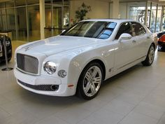 The Bentley Mulsanne is a supercar limousine. Most people who own one will never drive it but the luxury and performance are unmatched. Super Sport Cars, Super Cars, Sexy Cars, Hot Cars, My Dream Car, Dream Cars, New Bentley, Bentley Mulsanne, Fancy Cars