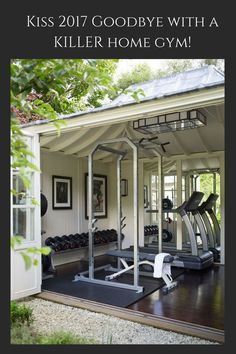 Outdoor garage gym with really cool door for feeling like you're working out outside. Dream home gym decor: dream home garage gym design. Dream Home Gym, Gym Room At Home, Home Gyms, Home Gym Garage, Basement Gym, Crossfit Garage Gym, Dream Garage, Home Gym Design, House Design