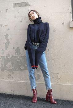 street look / street oufit / femme 2017 2018 tendances mode automne hiver / - Korean Fashion Trends, Asian Fashion, Look Fashion, Street Fashion, Uni Fashion, Fashion Bloggers, Fasion, Trendy Fashion, Fall Fashion