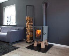 Holzofen Mit Skandinavischem Design Im Wohnzimmer