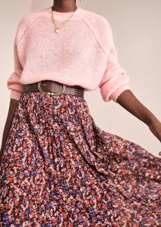 Mode Outfits, Skirt Outfits, Fashion Outfits, Fashion Skirts, Looks Party, Style Parisienne, Mode Simple, Moda Boho, Flower Skirt