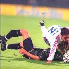 Depois de recuperar, jogou ate ao 38 e acabou a carreira no  Barcelona: Sueco Larsson