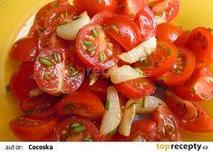 Rajčatový salát s teplým česnekem recept - TopRecepty.cz Czech Recipes, Ethnic Recipes, Caprese Salad, Bruschetta, Good Food, Low Carb, Gluten Free, Stuffed Peppers, Vegetables