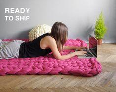 45X55 inches. Super lush carpet. Chunky rug. Giant knit. par Ohhio
