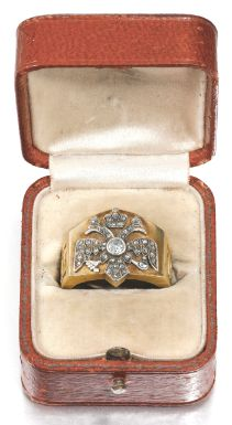 A Fabergé Romanov Tercentenary gold and diamond ring, workmaster Alfred Thielemann, St Petersburg, 1908-1910 - Sotheby's