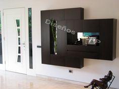 Mueble de Diseño, acabado chapilla de Wengue.