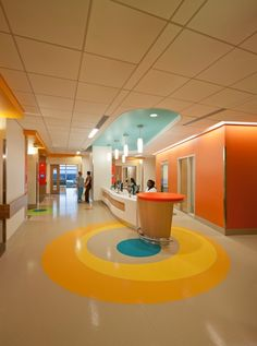 The vibrant colors used on each floor were chosen to appeal to children, teens, and the staff at Nemours Children's Hospital. Jonathan Hillyer/HillyerPhoto.com.